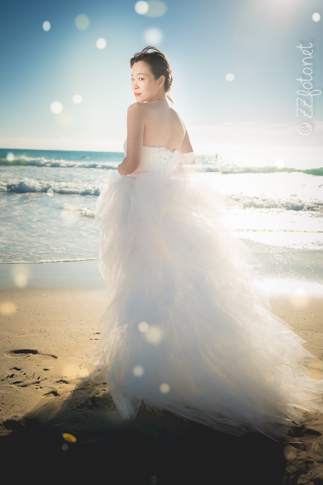 Shoot For Si With Three Different Bridal Gowns Under The Gorgeous Miami Morning Sun In South Beach And Matheson Park Playing Dress Ups Is So Much Fun